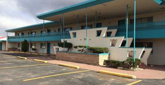 Desert Skies Motel - Gallup - Κτίριο
