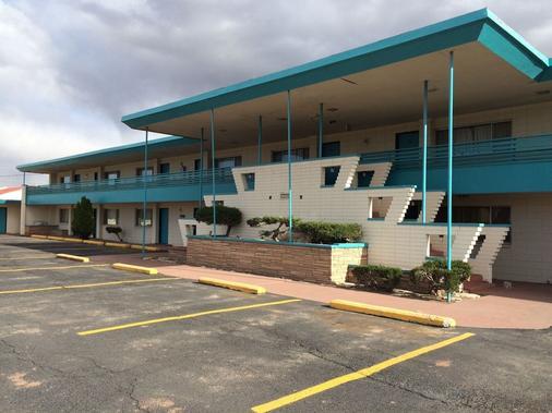 Desert Skies Motel - Gallup - Rakennus