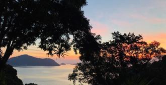 Varanda Dos Reis Guest House 'n Hostel - Angra dos Reis - Outdoor view