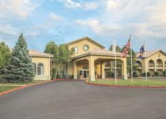 La Quinta Inn & Suites by Wyndham Conference Center Prescott - Prescott - Bâtiment