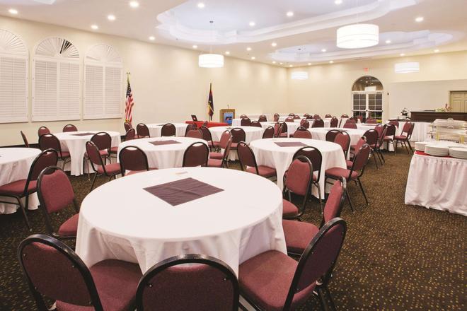 La Quinta Inn & Suites by Wyndham Conference Center Prescott - Prescott - Sảnh yến tiệc
