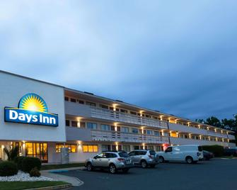 Days Inn by Wyndham Monmouth Junction Princeton - Monmouth Junction - Building