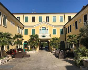 Hotel Alla Busa - Noventa Vicentina - Building