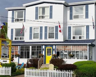 Bayside Inn - Digby - Building