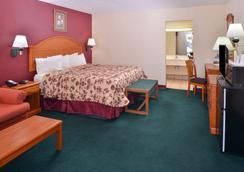 Americas Best Value Inn Lubbock E - Lubbock - Bedroom