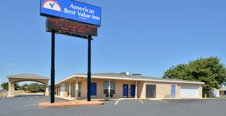 Americas Best Value Inn Lubbock E - Lubbock - Building