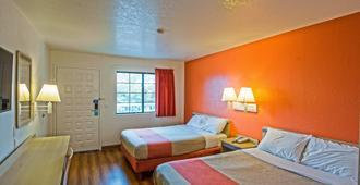 Motel 6 Redding South - Redding - Bedroom