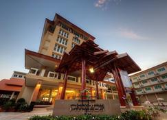 Piyaporn Pavilion Hotel - Mae Sai - Building
