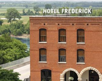 Hotel Frederick - Boonville - Building