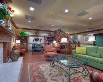 Country Inn & Suites by Radisson Fredericksburg - Fredericksburg - Salónek