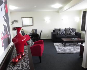 Homestead Villa Motel - Invercargill - Living room