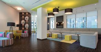 SpringHill Suites by Marriott Charlotte Uptown - Charlotte - Living room