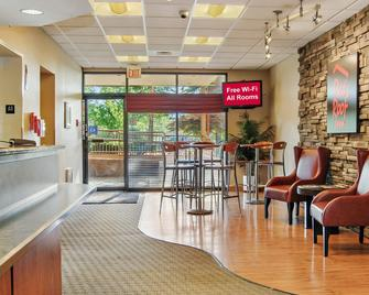 Red Roof Inn Cleveland Airport - Middleburg Heights - Middleburg Heights - Lobby
