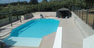 Daillu - Olbia - Pool