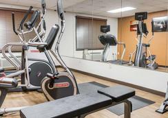 Comfort Inn Metro Airport - Romulus - Gym
