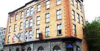 Hôtel Champ-De-Mars - Montreal - Building