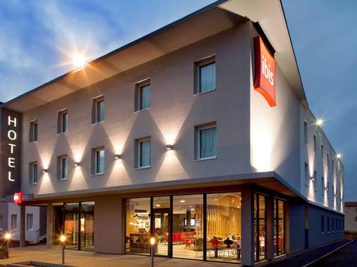ibis Clermont-Ferrand Nord Riom - Riom - Building