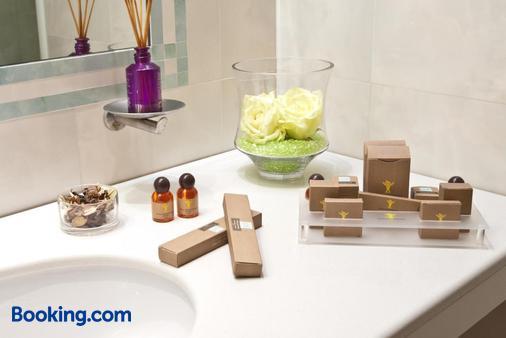 Hotel San Domenico Al Piano - Matera - Bathroom