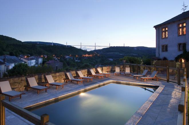 Chateau de Creissels - Millau - Pool