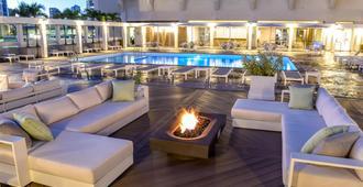 Ala Moana Hotel - הונולולו - בריכה