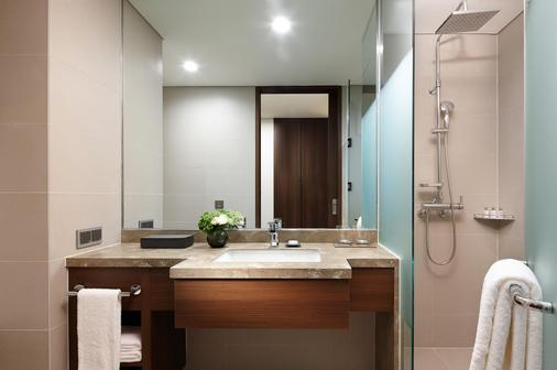 Lotte City Hotel Myeongdong - Seoul - Bathroom