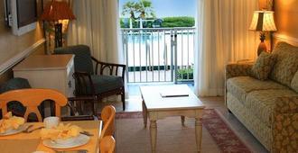 Grand Seas by Exploria Resorts - Daytona Beach - Σαλόνι