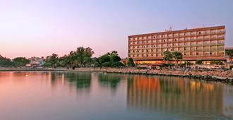 利馬索爾假日酒店 - 利馬索 - 利馬索爾 - 建築