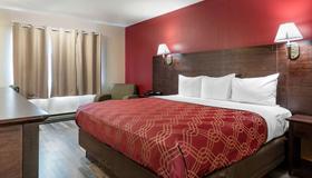 Econo Lodge Bay Breeze - Seaside - Bedroom