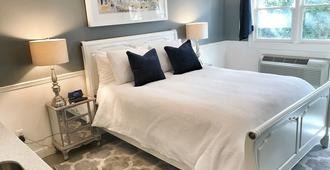 The Monticello Guest House - M Streets - Dallas - Bedroom