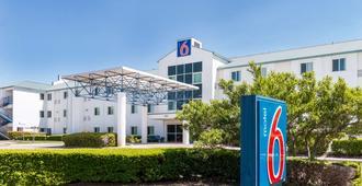 Motel 6 Dallas - Dfw Airport North - Irving - Bangunan