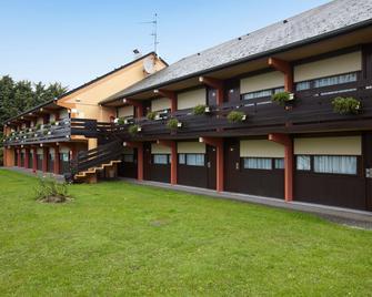 Kyriad Direct Evreux - Évreux - Gebäude
