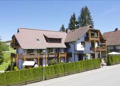Gästehaus Schöneck garni - Schluchsee - Gebäude