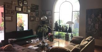 Les Chambres de l'Abbaye - Marseille - Living room