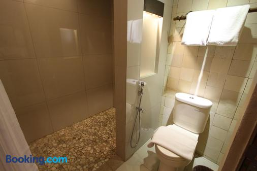巴圖露瑪水療別墅 - 巴基 - 梭羅/蘇拉加達/索拉卡爾塔 - 浴室