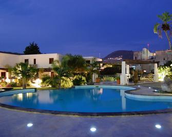 Residence La Giara - Lipari - Pool