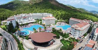 Green Nature Resort & Spa - מרמריס - נוף חיצוני