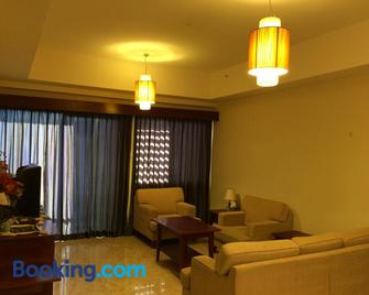 Ian's Vacation Rental - Skudai - Living room