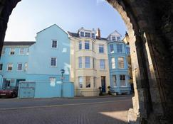 Spetchley House 2 - Tenby
