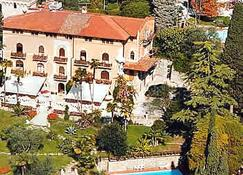 Hotel Bellevue - Gardone Riviera - Rakennus