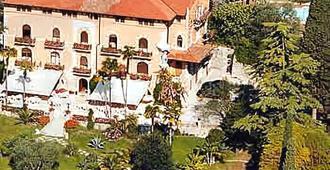 Hotel Bellevue - Gardone Riviera - Bâtiment