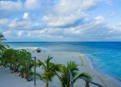 Modessa Island Resort - Roxas - Beach