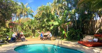 Costa Rica Backpackers - סן חוזה - בריכה