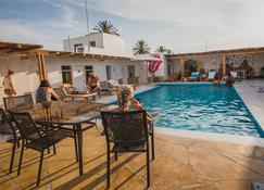 Kokopelli Hostel Paracas - Paracas - Piscina