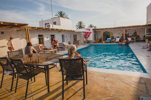 Kokopelli Hostel Paracas - Paracas - Pool