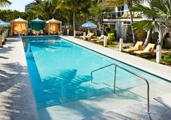The Confidante in The Unbound Collection by Hyatt - Miami Beach - Svømmebasseng