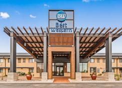 Best Western West Towne Suites - Madison - Building
