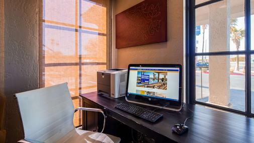 Best Western Desert Villa Inn - Barstow - Business centre