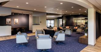 Courtyard by Marriott Cincinnati Midtown/Rookwood - Cincinnati - Lounge