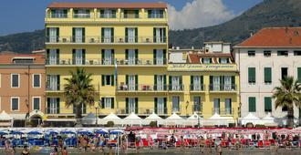 Hotel Danio Lungomare - Alassio - Toà nhà