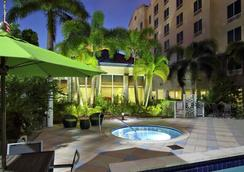 Hilton Garden Inn Miami Airport West - Miami - Piscina